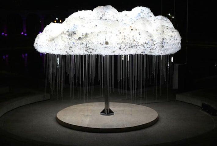 An Interactive Cloud Installation Made Of 6,000 Lightbulbs