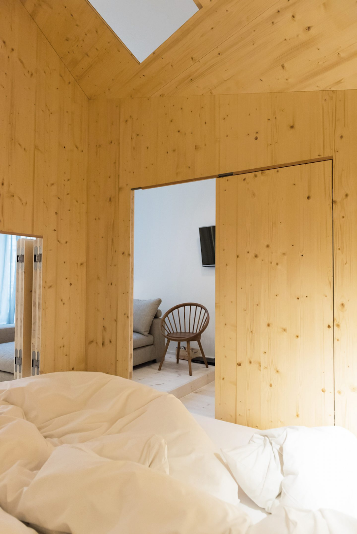 Room 304_Sigurd Larsen_Michelberger Hotel_Architecture Danish design berlin_photo x James Pfaff 7