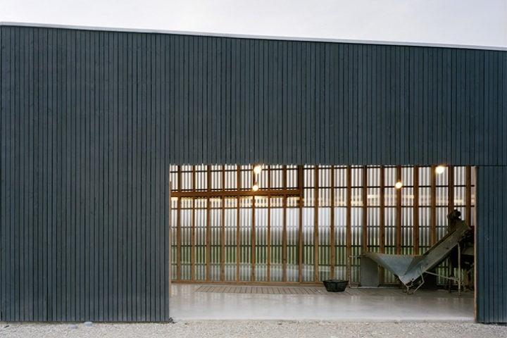 the black desert house by marc atlan oller pejic. Black Bedroom Furniture Sets. Home Design Ideas