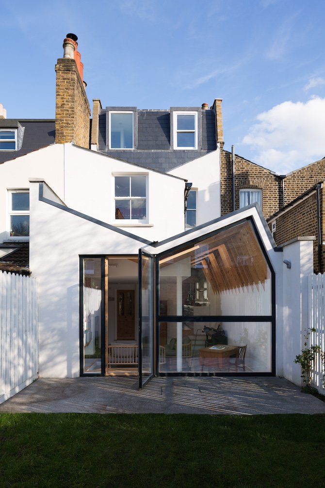 A Renovation Reviving London S Butterfly Roof Ignant Com