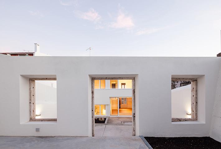 A Minimal Lisbon House And Terrace Restoration