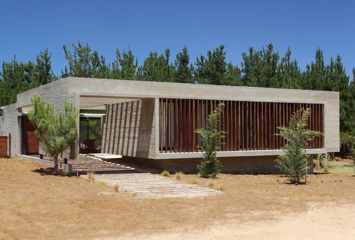 A Concrete Summer Retreat By Besonias Almeida Arquitectos