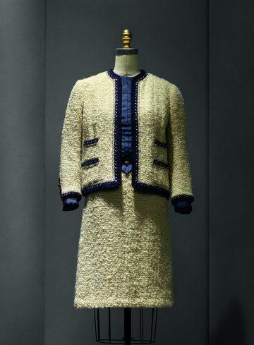 manusxmachina_fashion-02.Suit,Chanel,1963-68