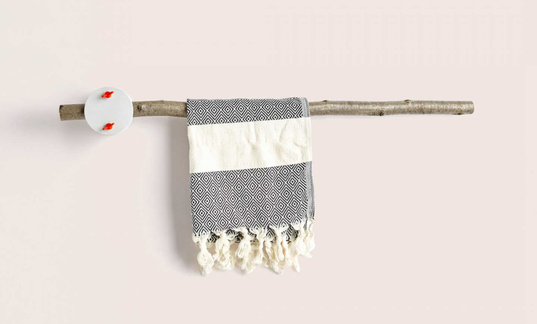 sovrappensiero_ design _ towel rack 1