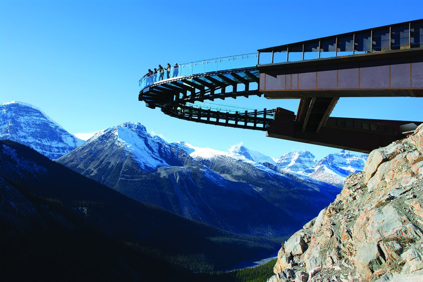 top10viewpoints-Glacier-Skywalk-2013-View-from-below-2