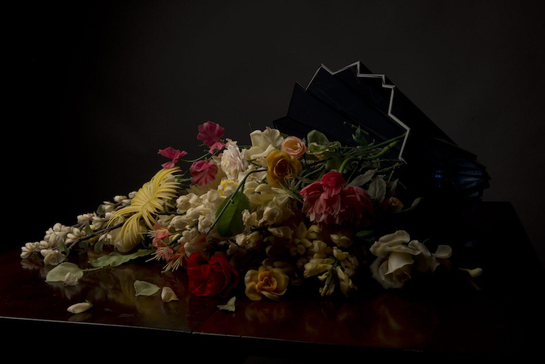 MN2_VASE_FLOWERS_Plastic Vanitas 13-154273