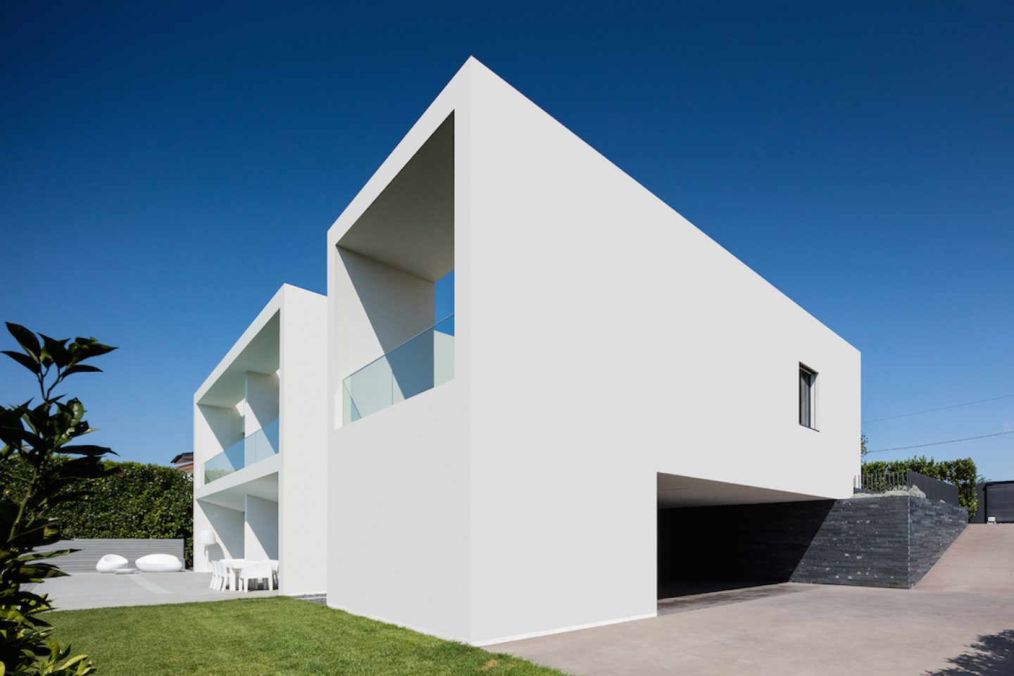 Vila do Conde House - Raulino Arquitecto (02)
