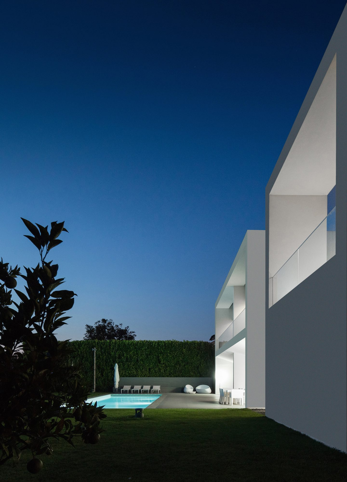 Vila do Conde House - Raulino Arquitecto (03)