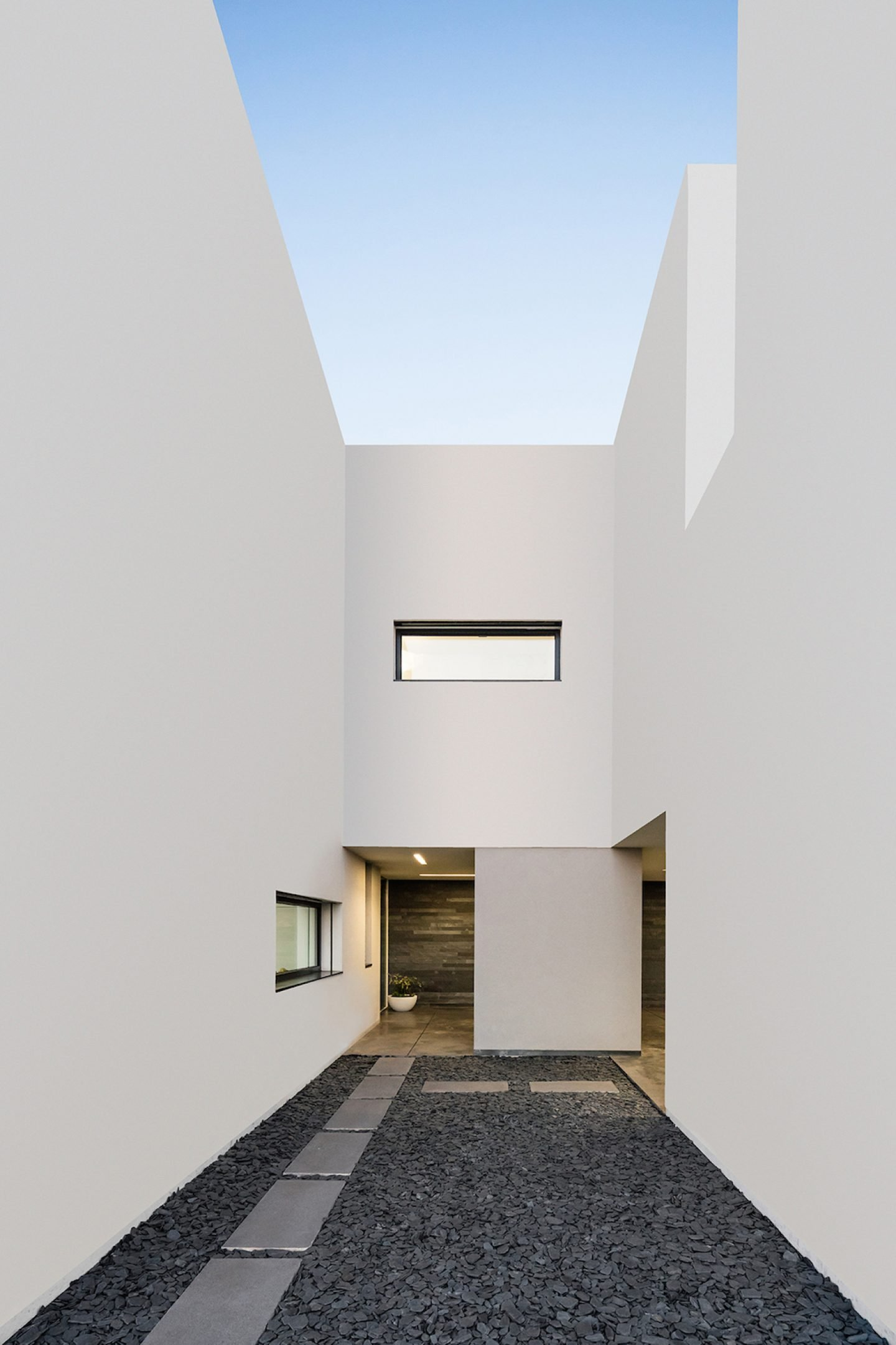 Vila do Conde House - Raulino Arquitecto (05)