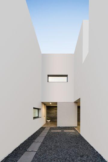 Vila do Conde House - Raulino Arquitecto (05)