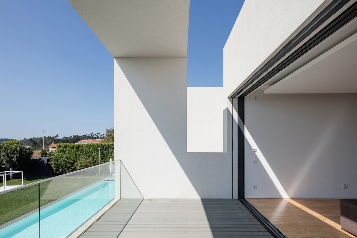 Vila do Conde House - Raulino Arquitecto (08)