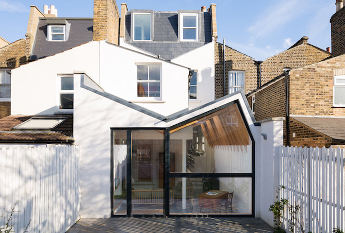 A Renovation Reviving London's 'Butterfly Roof'
