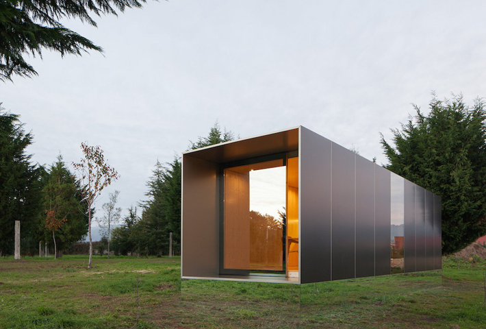 An Art-Inspired Modular Cabin By MIMA Housing