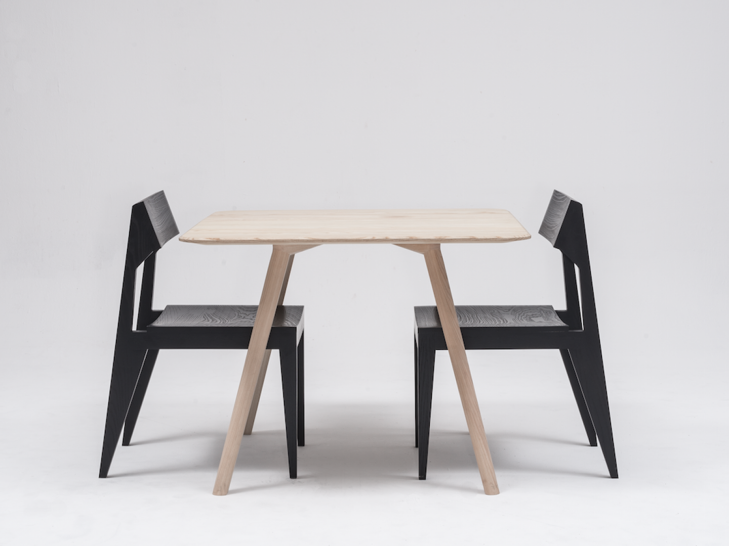 objekte-unserer-tage-08-studio-12-meyer-table-(high-res)