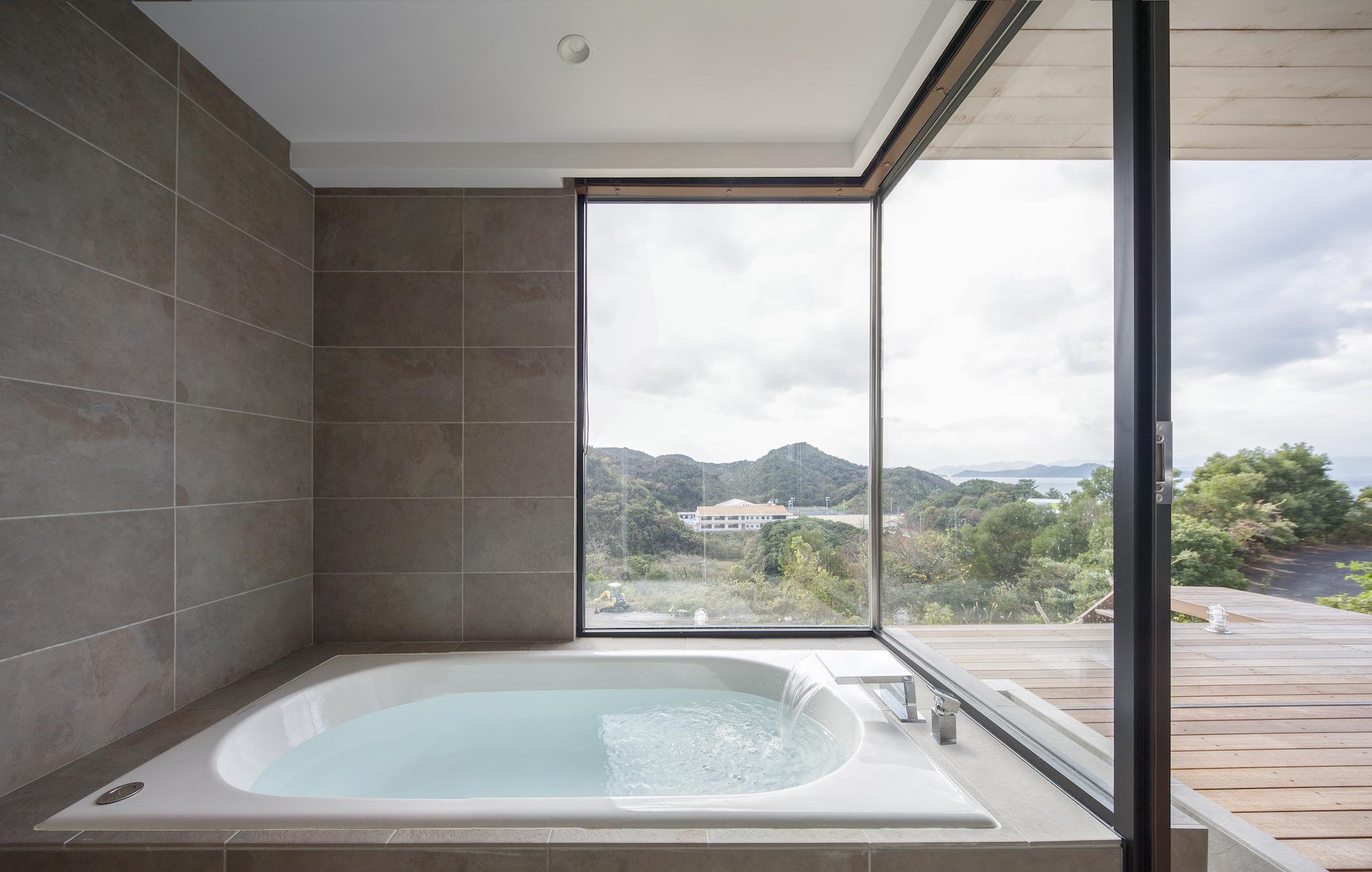 A Minimal Weekend House In Japan