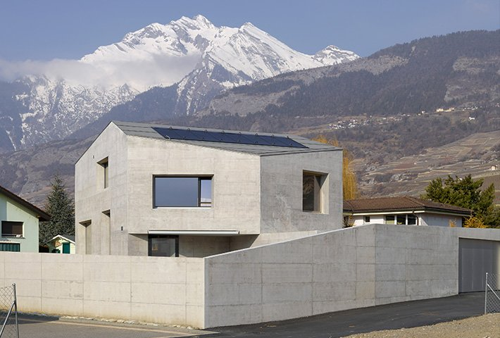 A Concrete Villa In The Swiss Alps