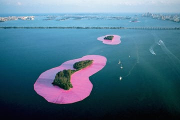 christo_surrounded-islands_art_pre