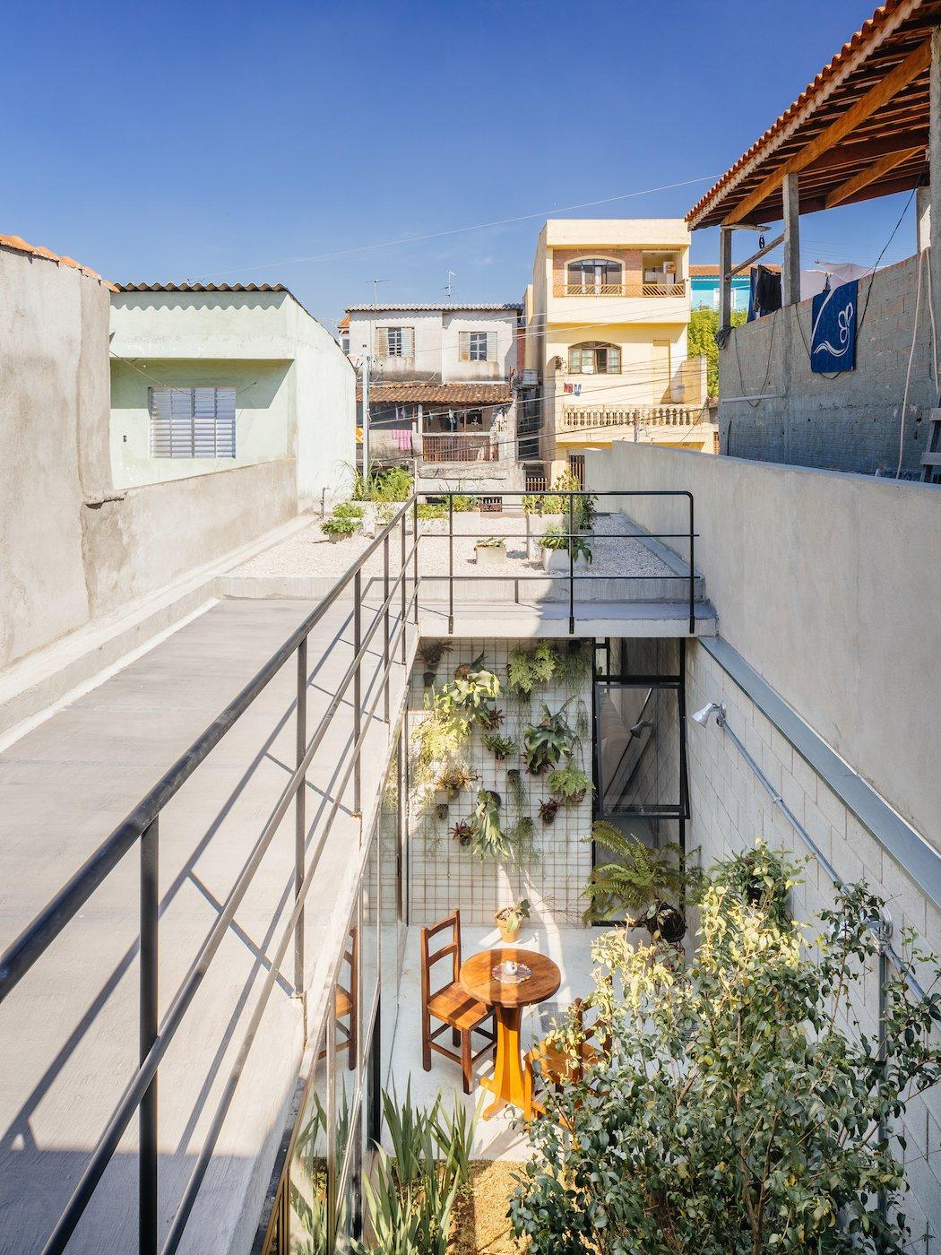 A narrow concrete home in s o paulo - The narrow house of sao paolo ...