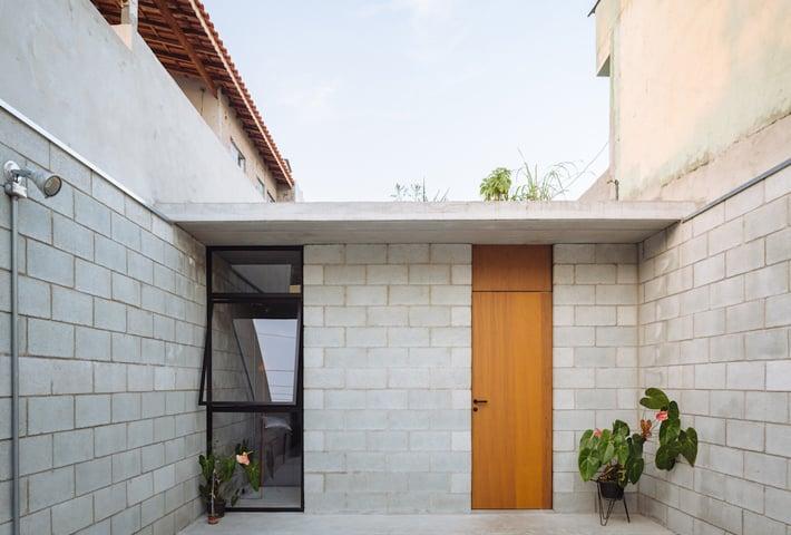 A Narrow Concrete Home In São Paulo