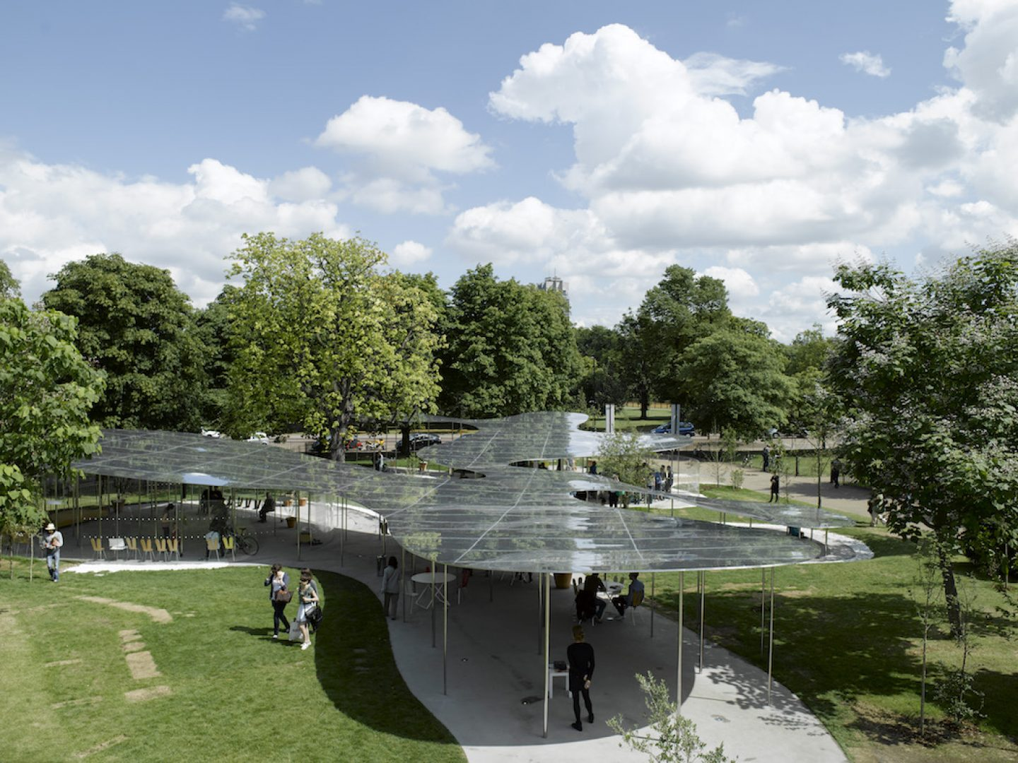 General view SANAA Serpentine Gallery 2009 Summer Pavilion