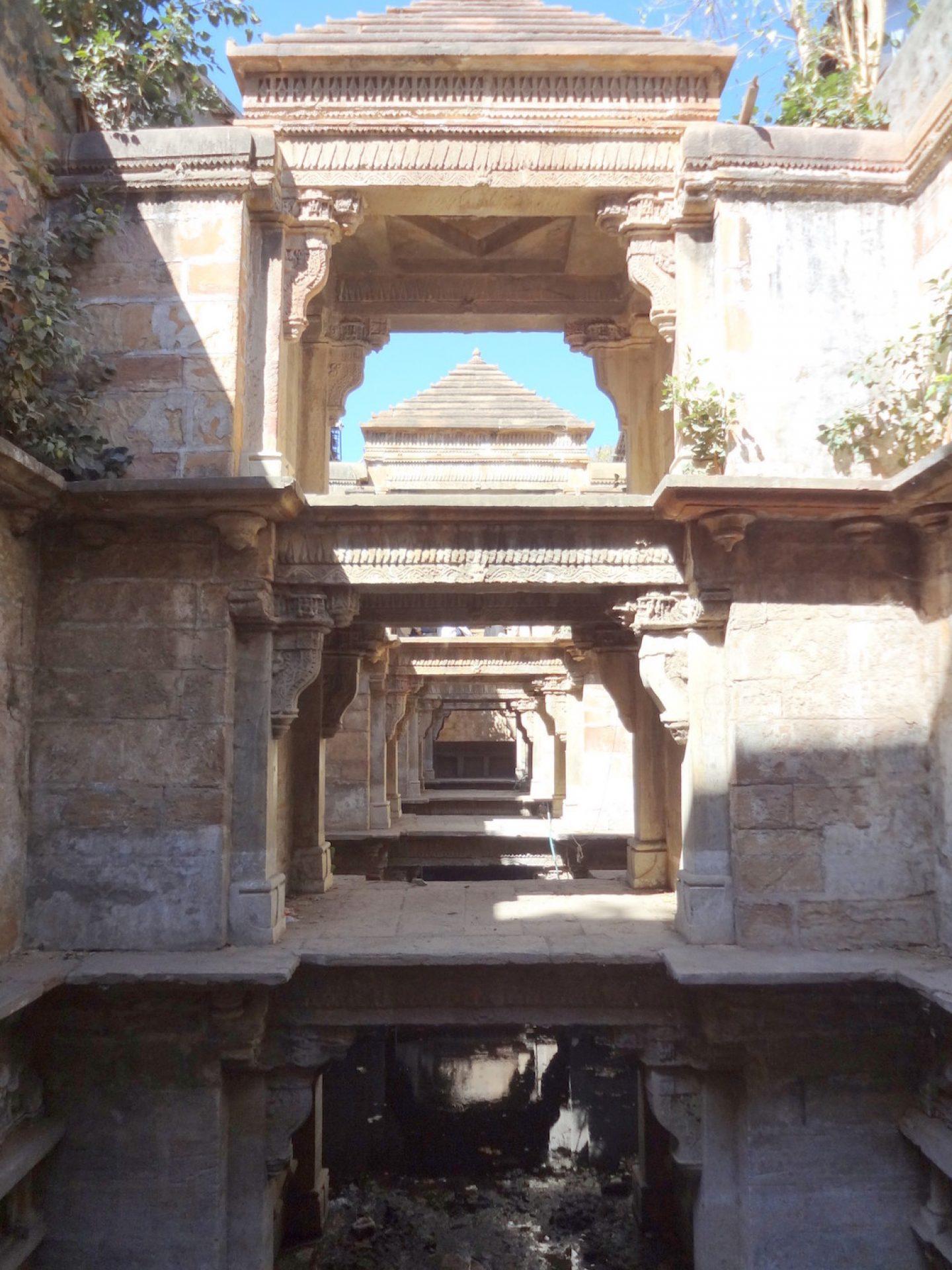 9.stepwells_madha-vadhavan