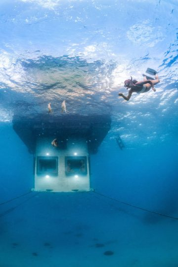 7-underwater-room-Manta-Resort-Pemba-Island-Tanzania-Architecture_