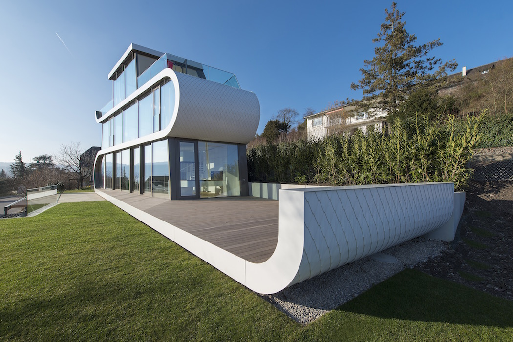 The Unique Glass Walled Flexhouse At Lake Zurich Ignant Com