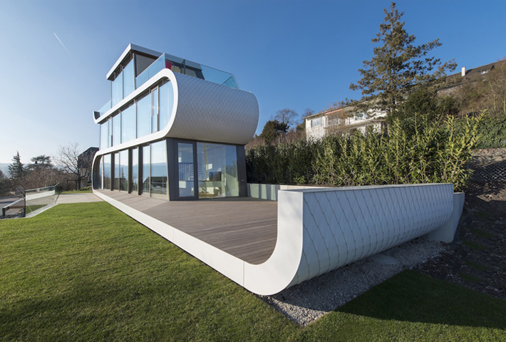 The Unique Glass-walled Flexhouse At Lake Zurich