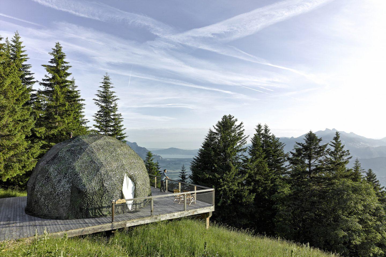 OnTheRoad_Switzerland_WhitePodHotel