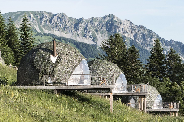 OnTheRoad_Switzerland_WhitePodHotel2