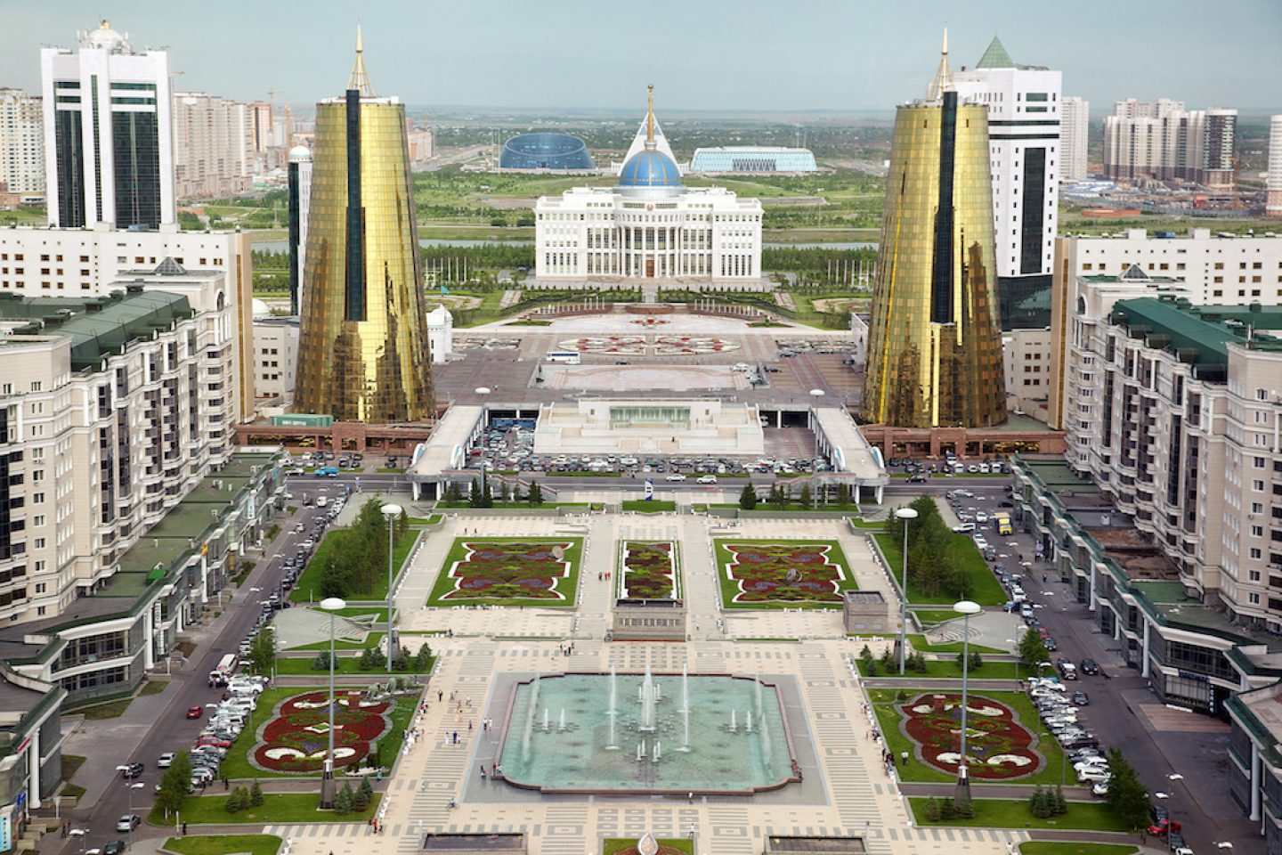 Astana's neo-baroque Avenue of the Republic: The grand center of the new town