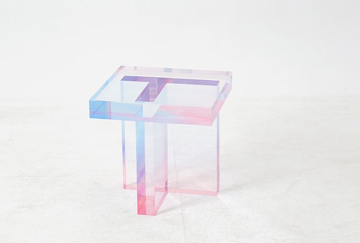 Saerom Yoon Creates Pastel Resin Tables