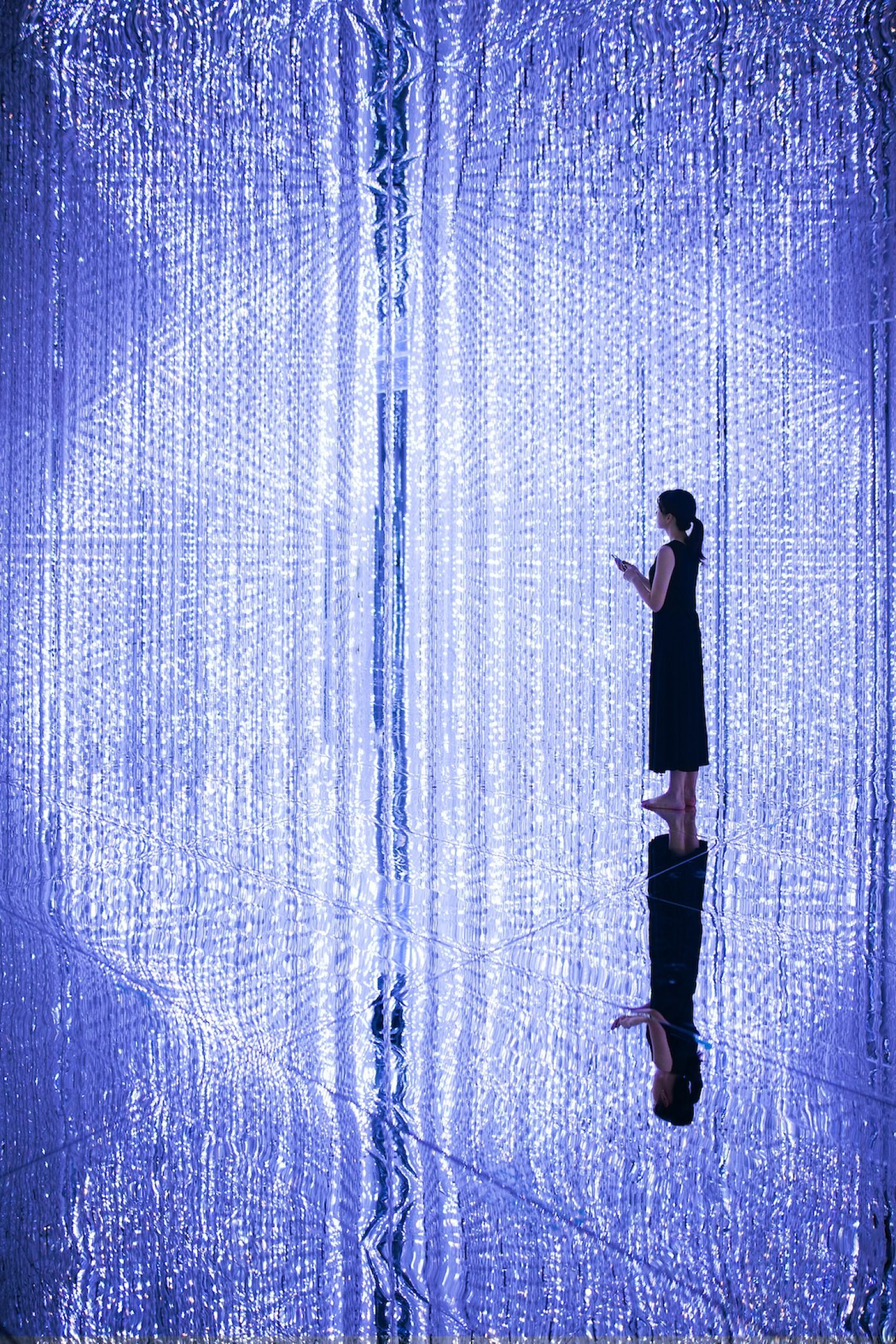 TeamLab_Art_ through the Crystal Universe_01