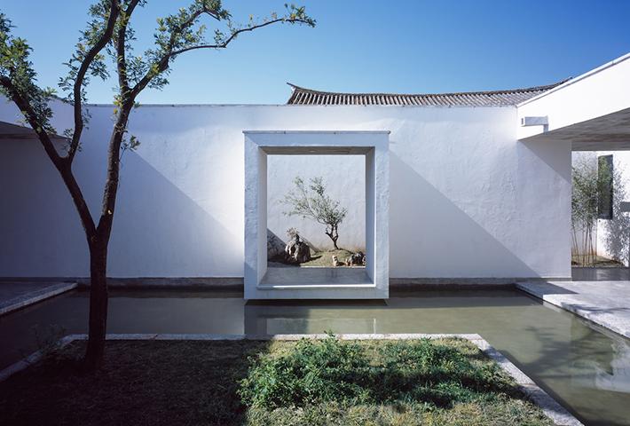 A Meditative House For A Painter