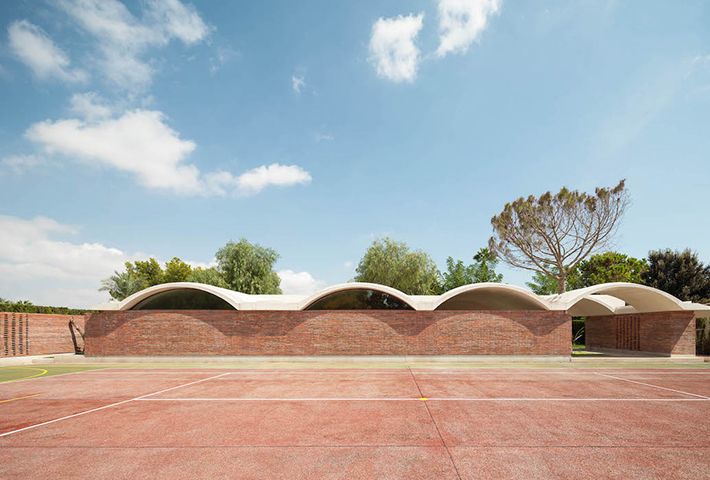 A Vaulted Canopy Home In The Spanish Countryside