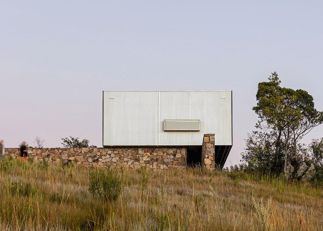 retreat-in-finca-aguy-mapa-prefabricated-housing-uraguay_dezeen_1568_5