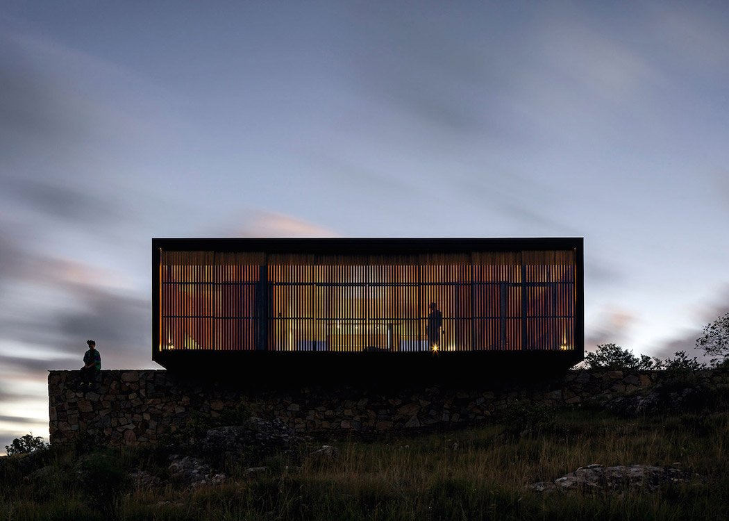 retreat-in-finca-aguy-mapa-prefabricated-housing-uraguay_dezeen_1568_9