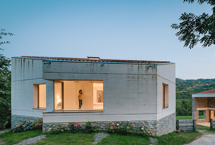 A House And Stable Refurbishment In Spain
