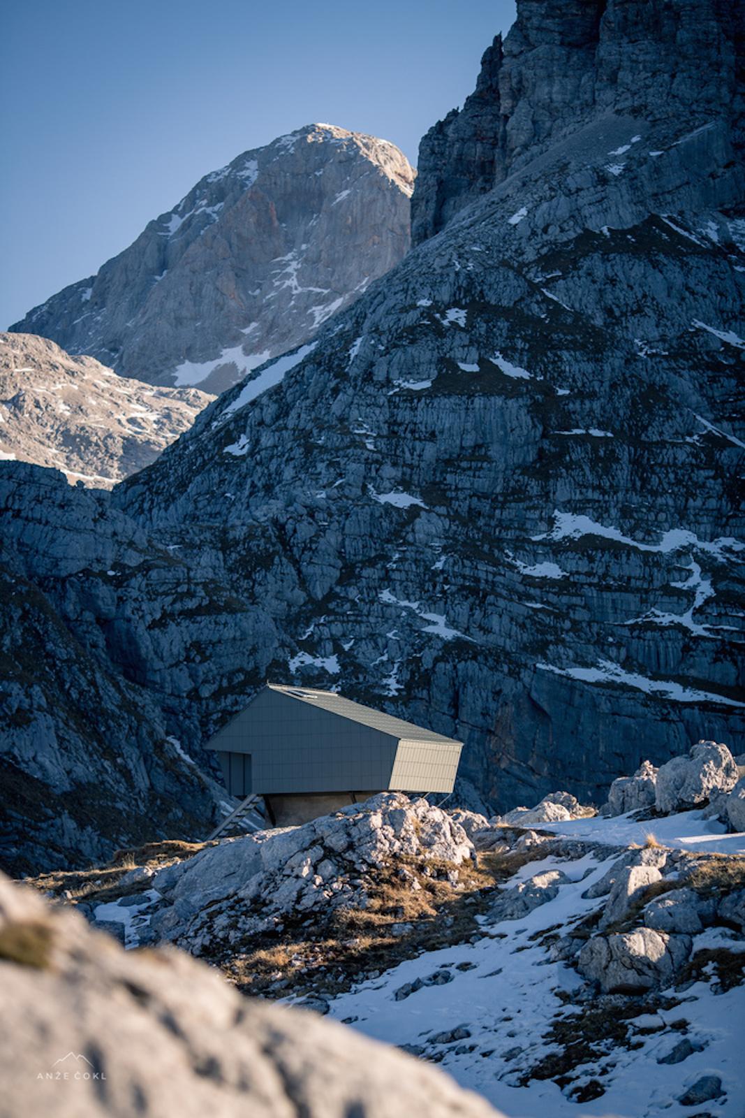 architecture_alpineshelter_bivaknaprehodavcih_premicaarchitects_1