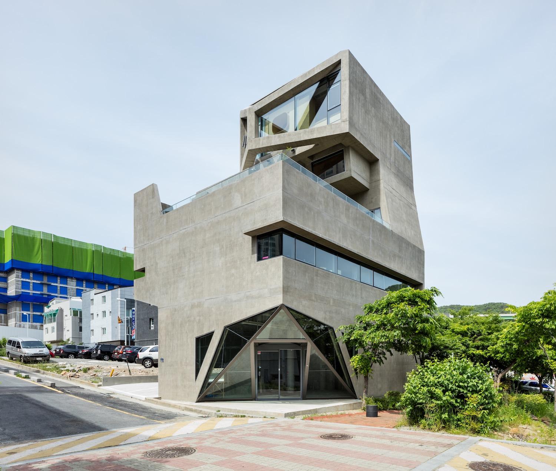 architecture_owlhouse_moonhoon_02