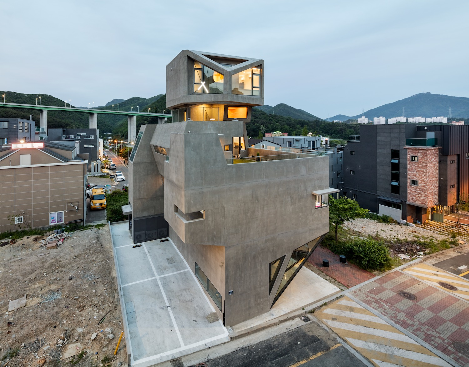 architecture_owlhouse_moonhoon_17