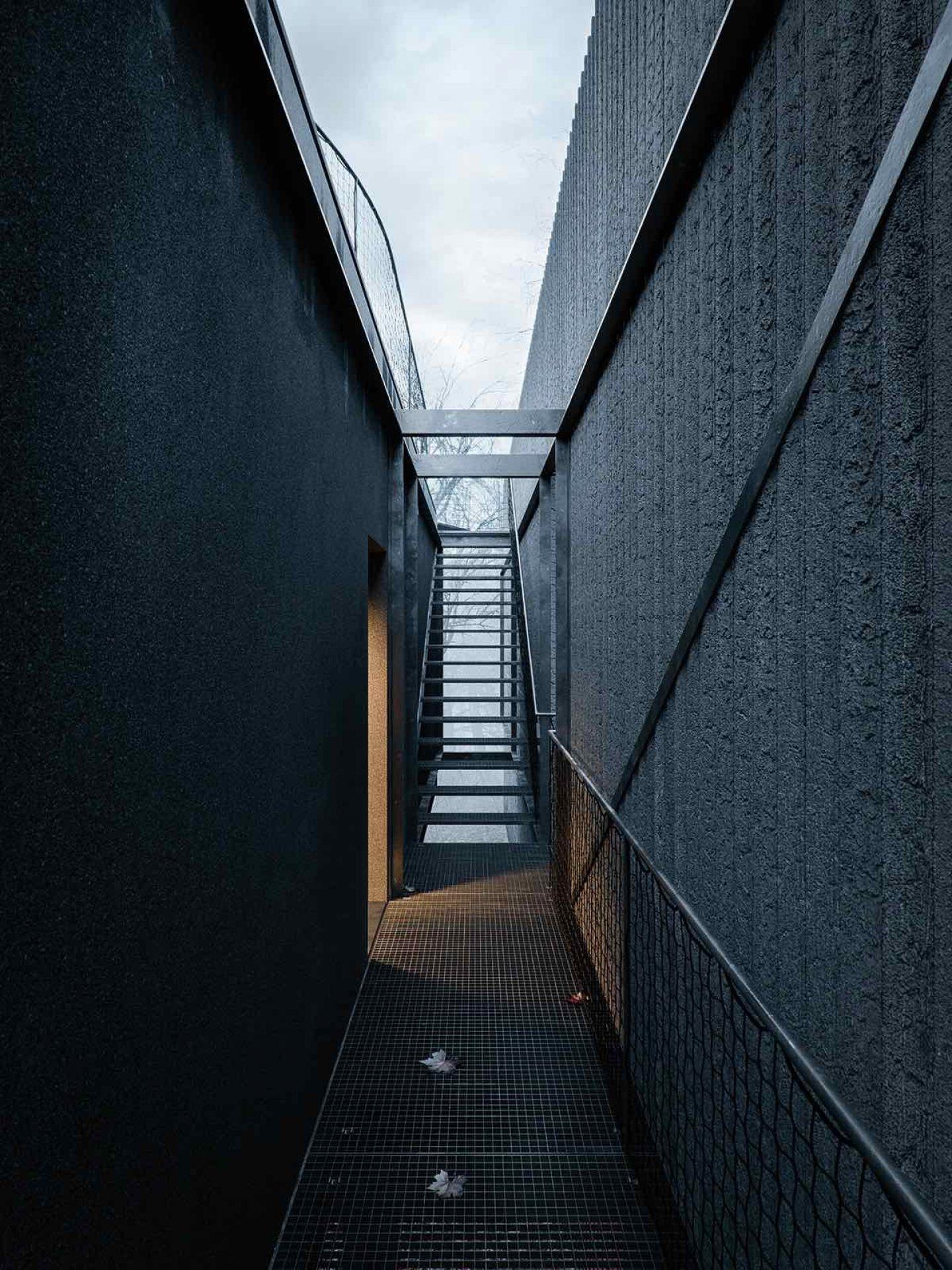 architecture_wojr_maskhouse_03