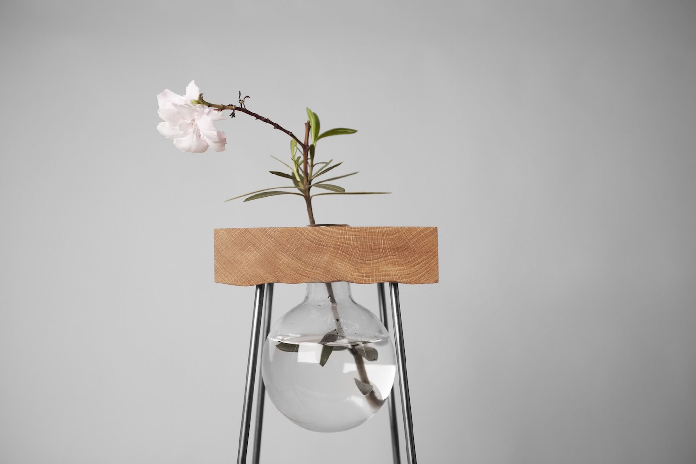 Design_Table_For_A_Flower_VJEMY_2