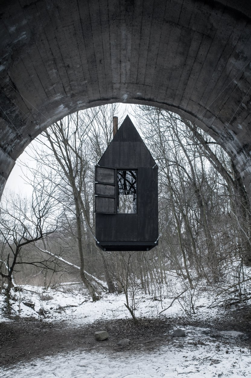 H3T Architects / Black Flying House