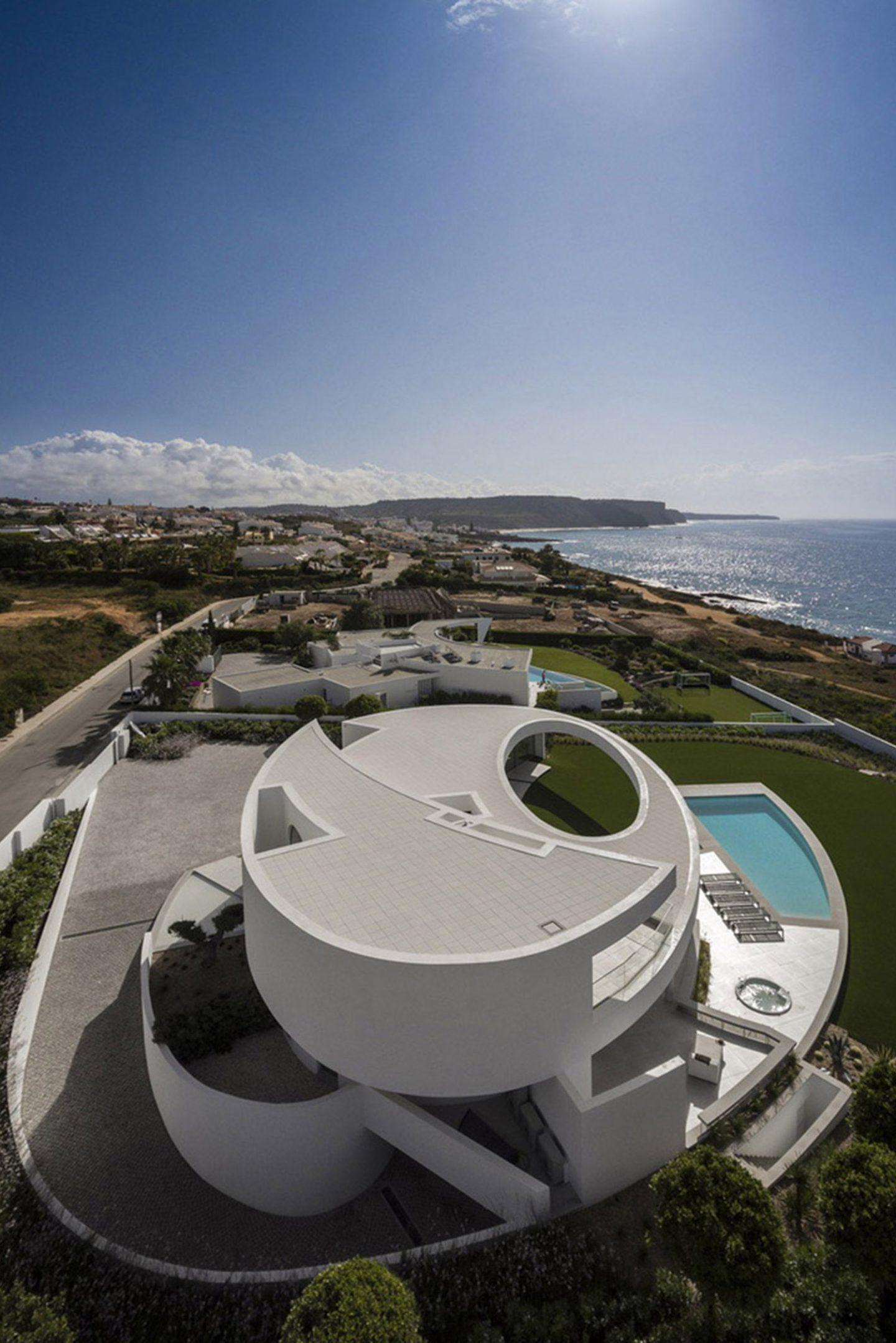 Architecture_CasaEliptica_MarioMartinsAtelier08