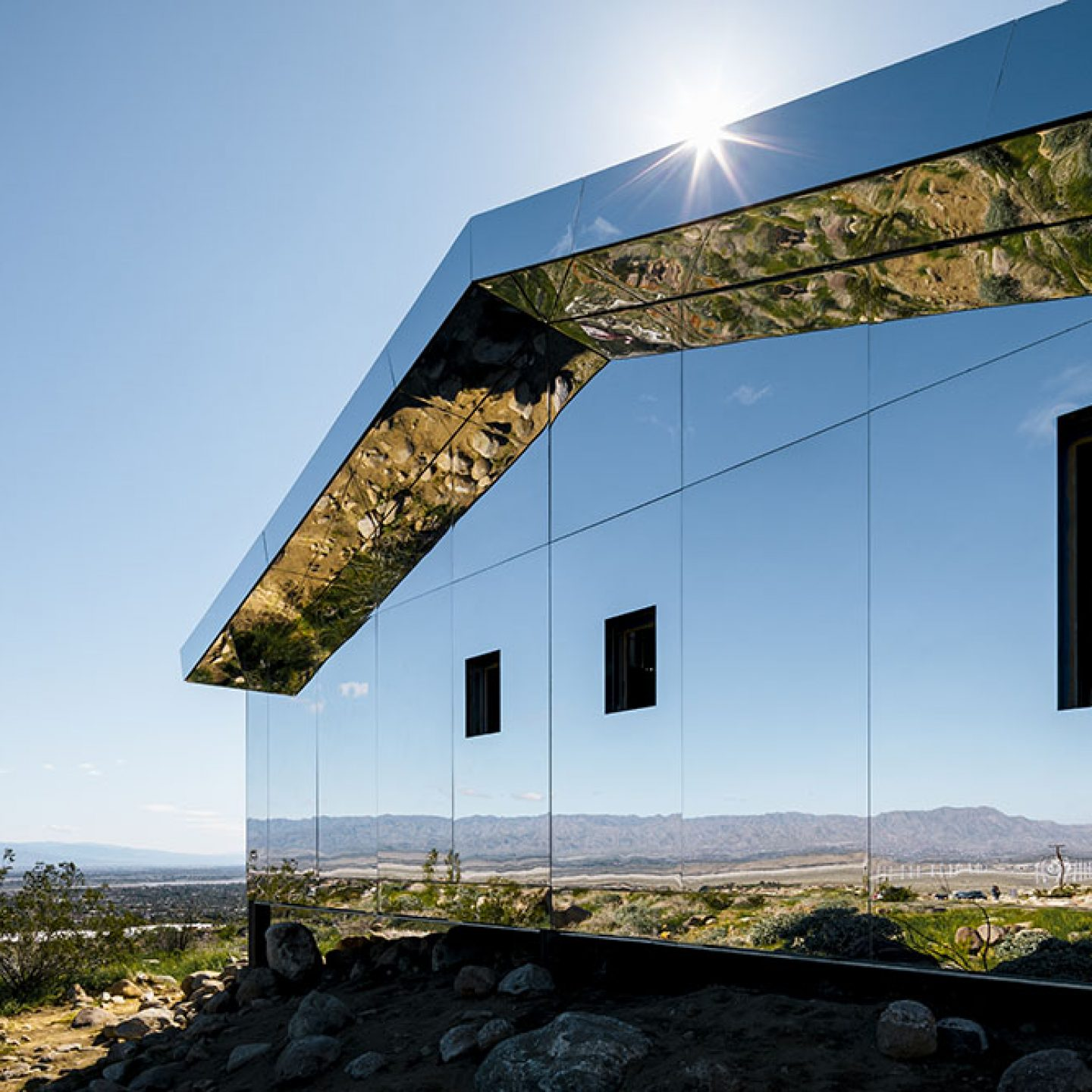 Art_Doug_Aitken_Mirrored_Mirage_8
