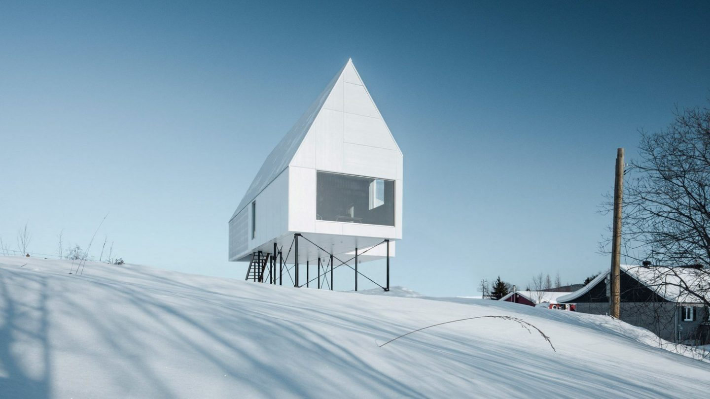 A Cozy House In Quebec By Delordinaire