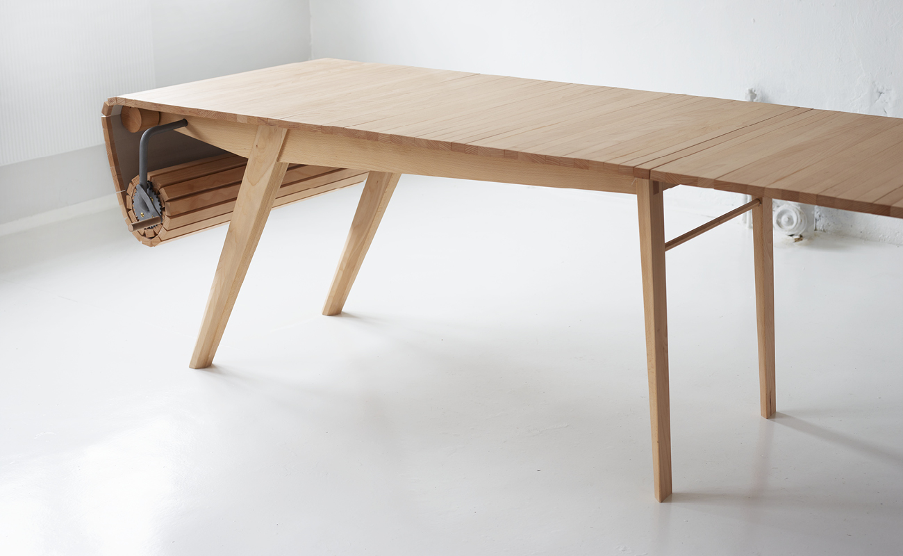 Design_Roll-out_Table_Marcus_Voraa_IGNANT_1