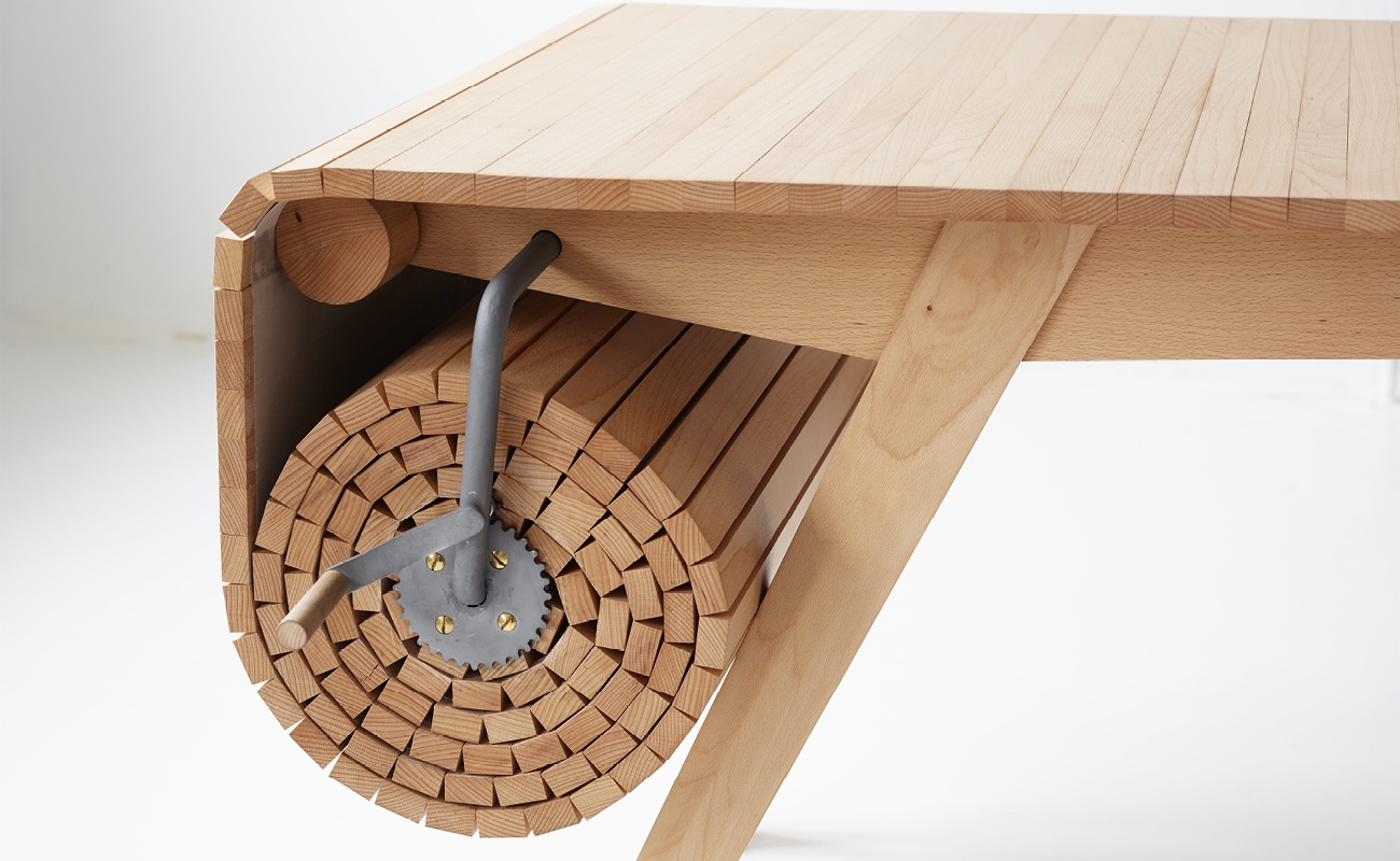Design_Roll-out_Table_Marcus_Voraa_IGNANT_4