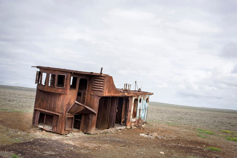 Boats stranded in Aral Sea.Bateaux échoués en mer d'Aral.